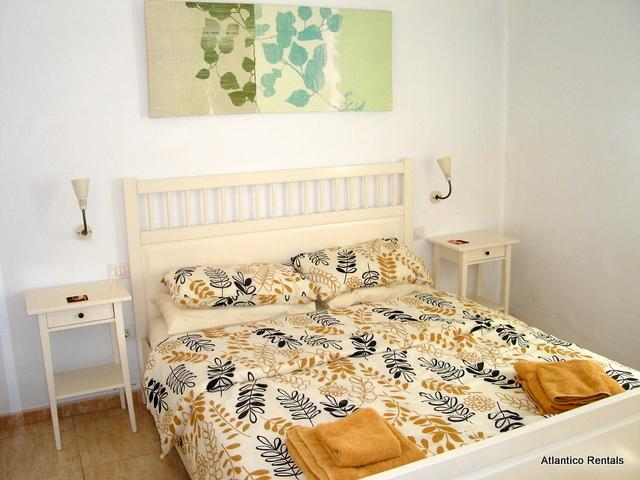 Bedroom with double bed - Las Palmeras II Complex, Puerto del Carmen, Lanzarote